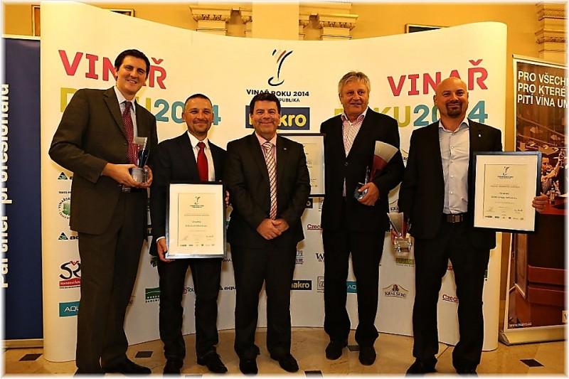 Zástupci prvních 3.vinařství soutěze